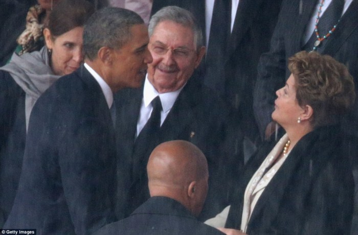GettyImages_Obama_Raul_Castro_Mandela
