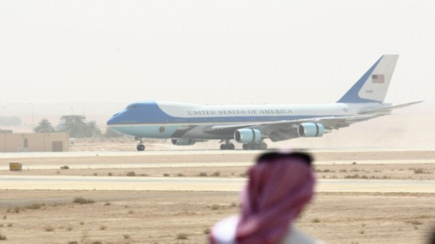 obama-ryad_AirForce1